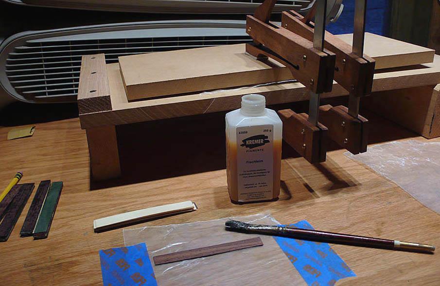Gluing veneer